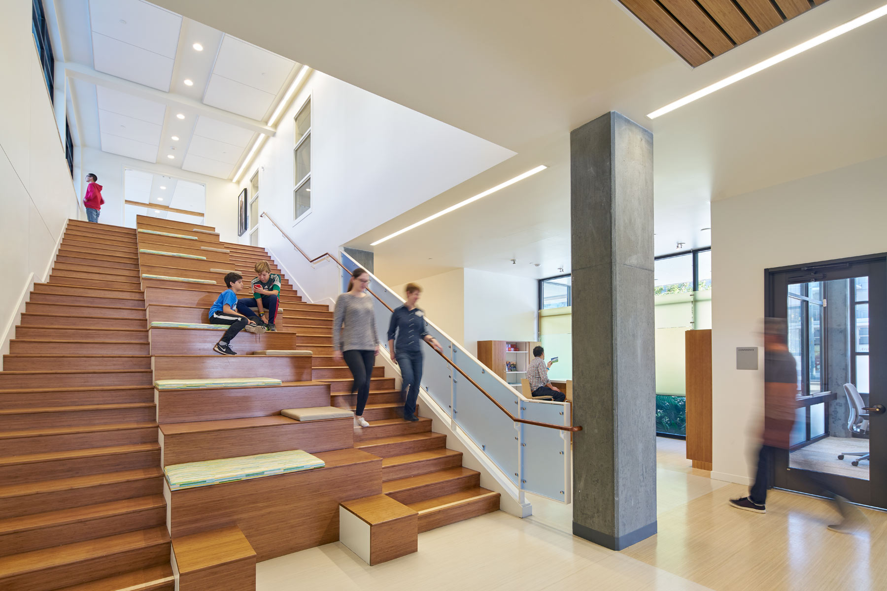The Nancy and Stephen Grand Family House is a LEED Platinum certified home that provides a comforting, supportive, and sustainably healthy environment for families whose children are being treated at the nearby UC San Francisco Benioff Children's Hospital.