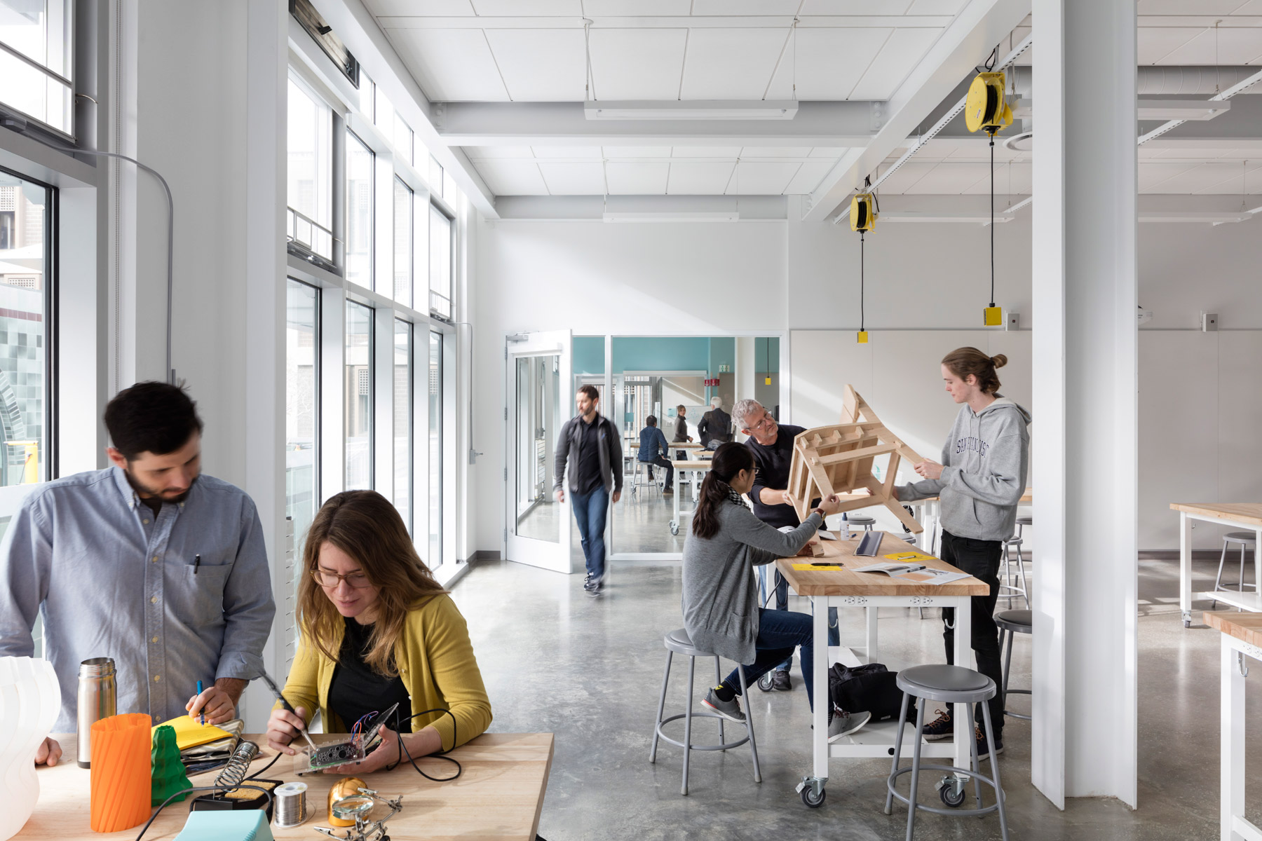 The Jacobs Institute for Design Innovation is a beacon of sustainable innovation at the UC Berkeley campus in the Bay Area, providing a variety of flexible maker spaces that foster interdisciplinary, collaborative creativity.