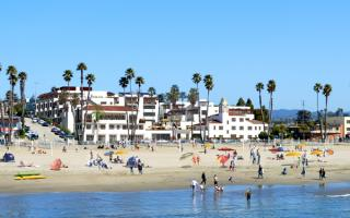 The historic La Bahia will be transformed into a new oceanfront hotel in Santa Cruz.